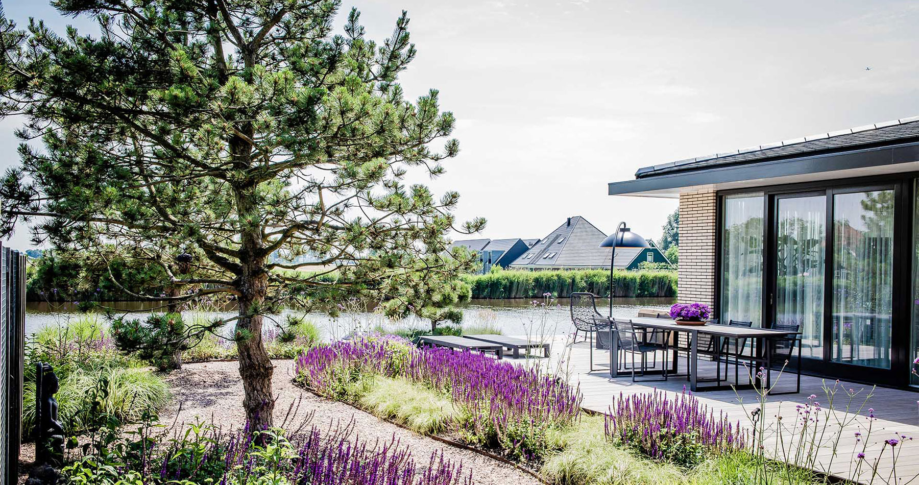 Strakke tuin in Noord Holland